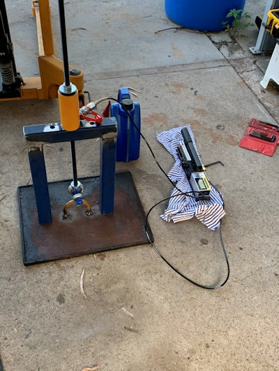 weld on lift point test
